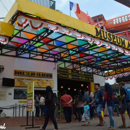 Liburan ke Museum Angkut Malang Bikin Lupa Waktu