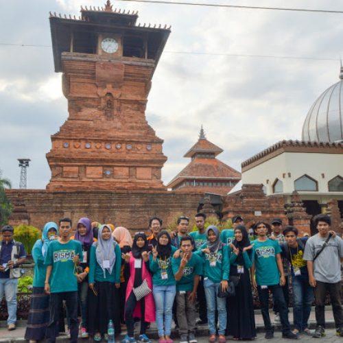 Wisata Religi : Explore Gunung Muria & Masjid Menara Kudus