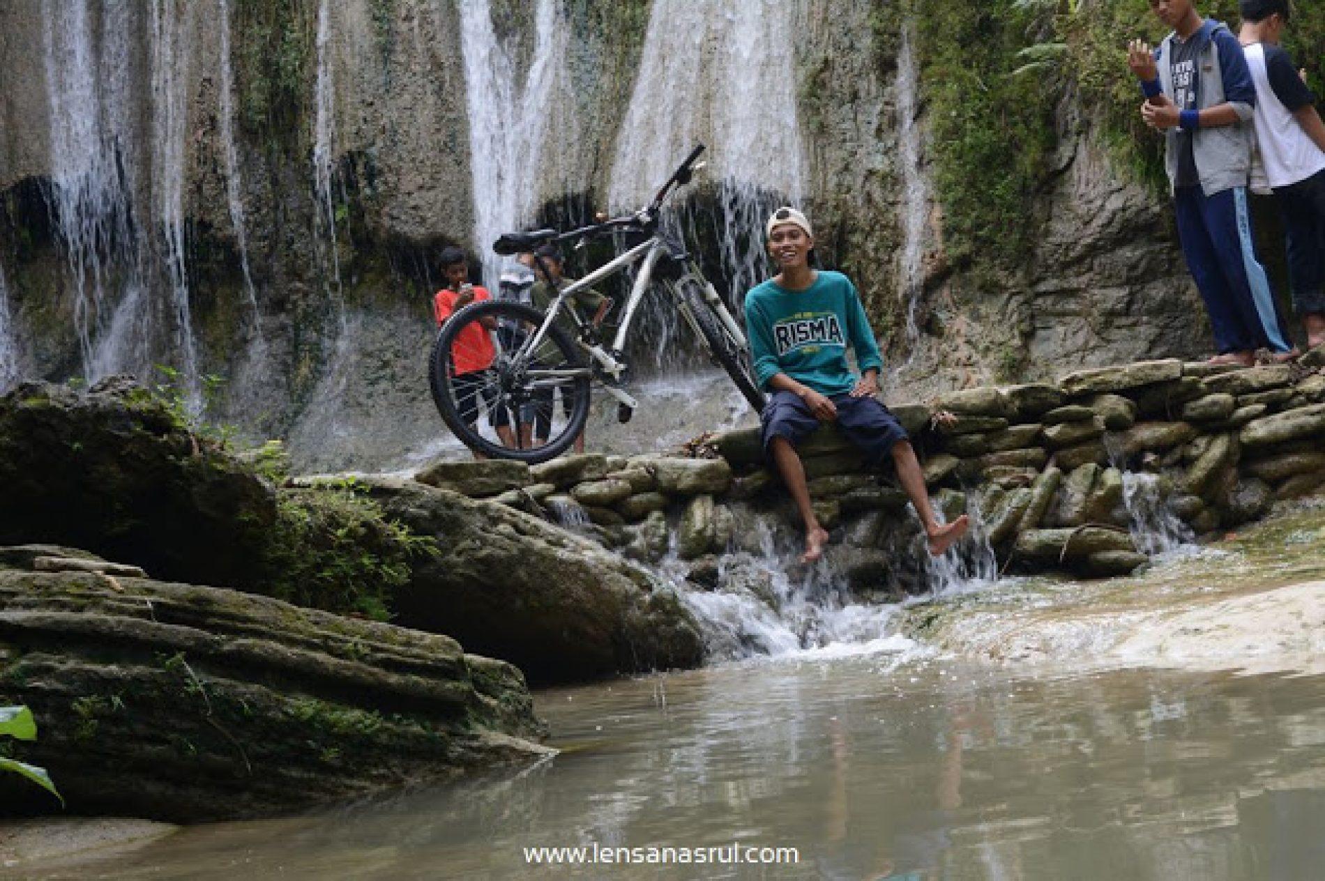 Sensasi Bersepeda ke Air Terjun Jurang Pulosari Lebih Asik