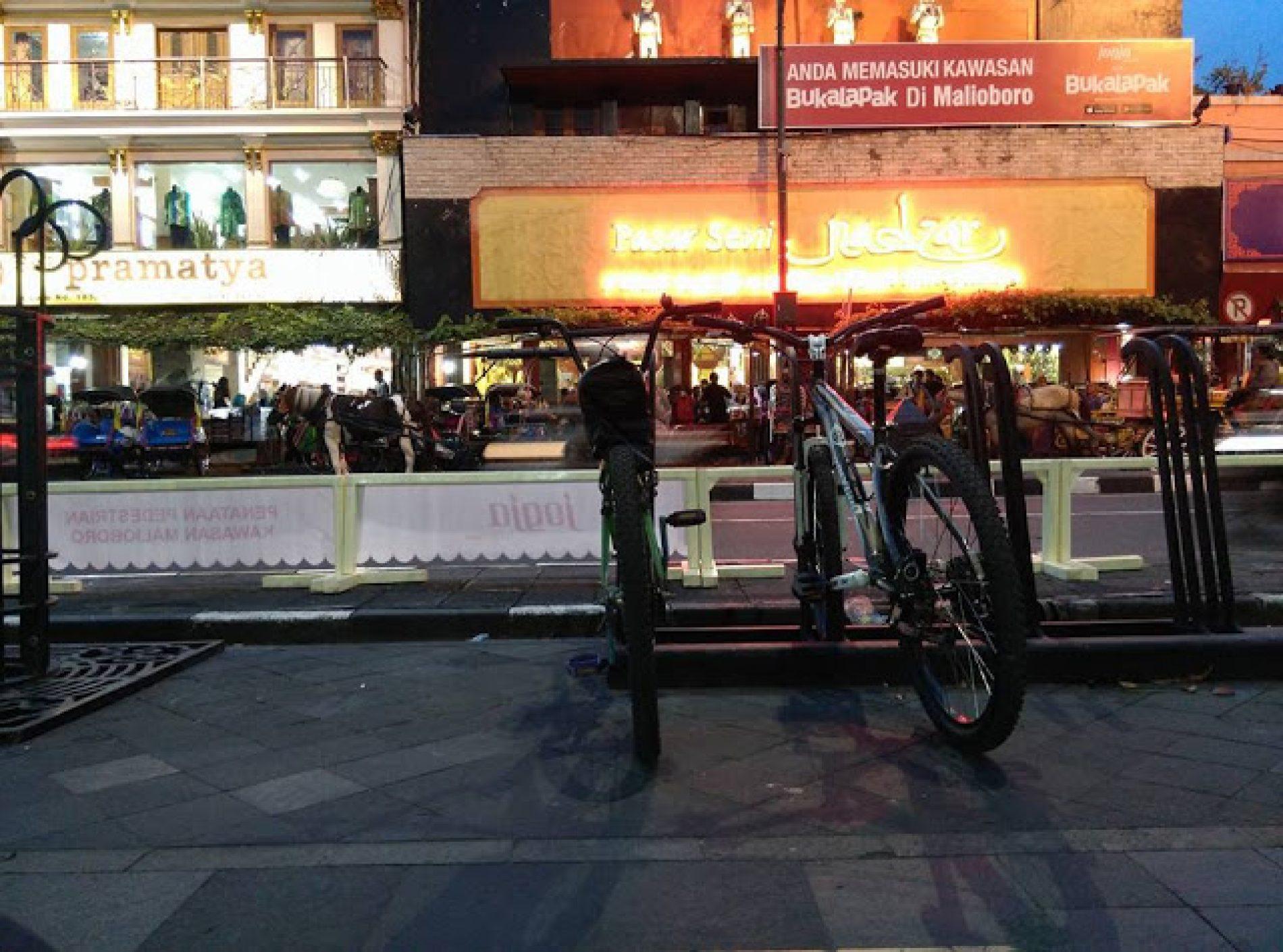 Kini Malioboro Bersahabat Dengan Perjalan Kaki & Pesepeda