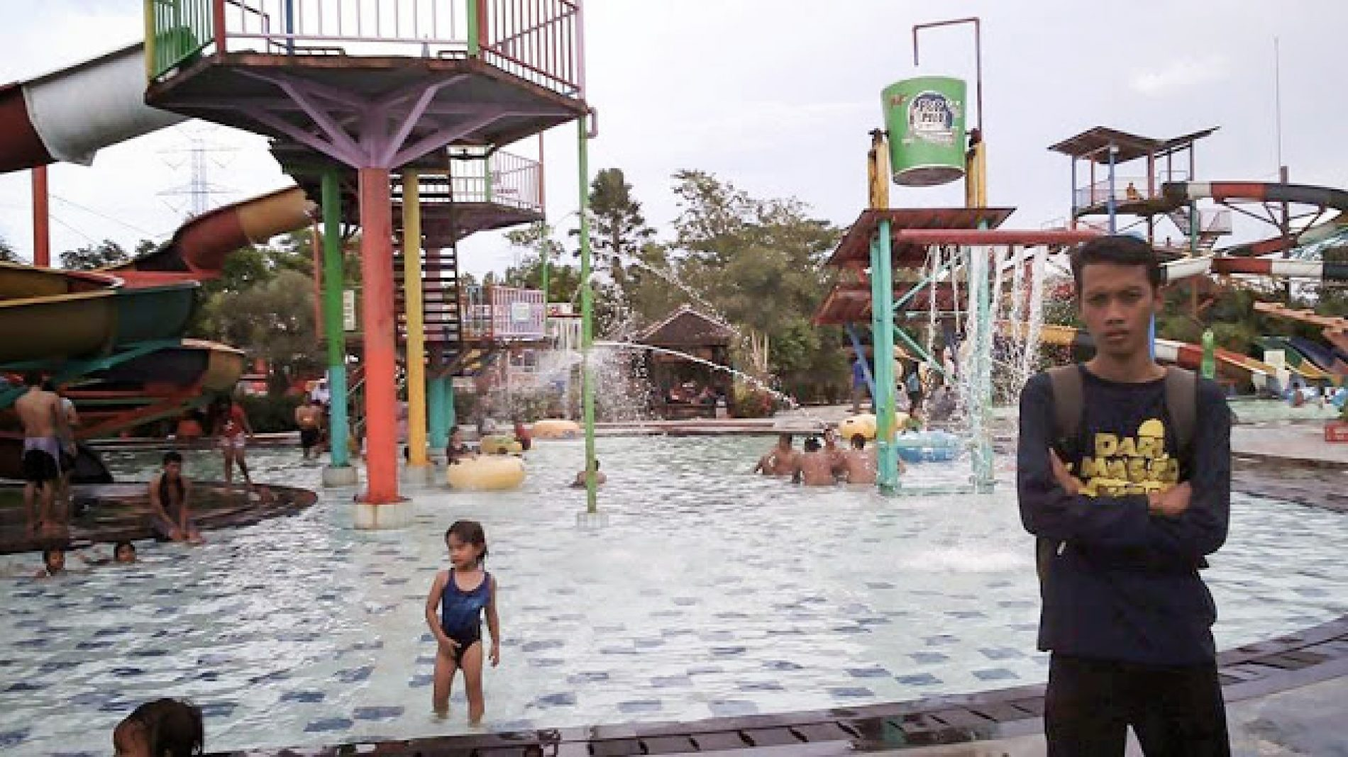 Bermain Air di Grand Puri Waterpark