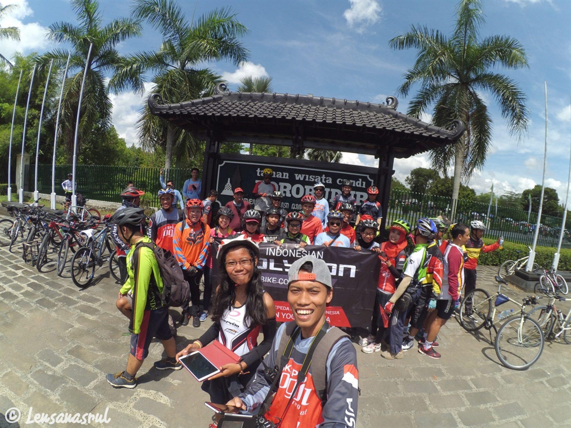 Tim Dok : Candi Borobudur & Gereja Ayam Terlampui Dengan Bersepeda