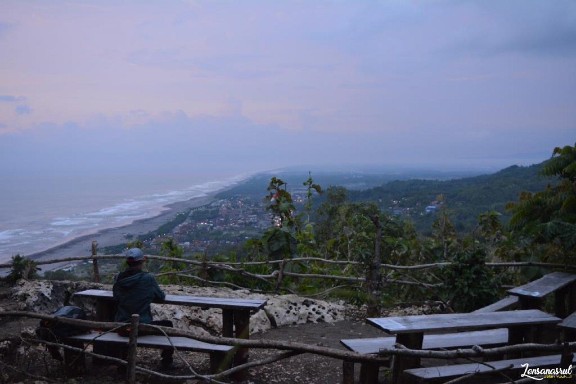 Senja di Bukit Paralayang Parangtritis