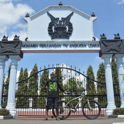 Berkunjung Menggunakan Sepeda, Monumen Perjuangan TNI AU