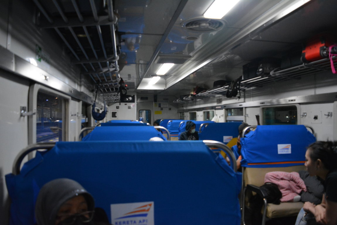 Gerbong Kereta Api Indonesia Ekonomi