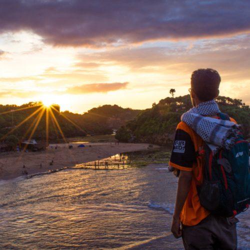 Pengalaman Camping di Pantai Watu Kodok